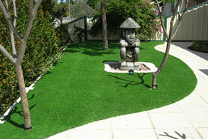 good artificial lawn